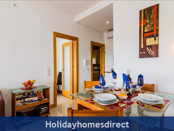 Luxury Barracuda Beach Front Apartment, Albufeira With Stunning Ocean & Beach Views....free Wi-fi,: Image 4