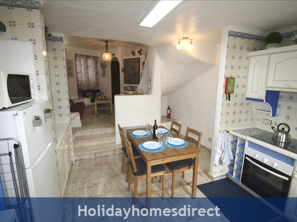 Casinha Town House. Within The Old Town Walls Of Lagos But Only 5 Mins From The Beach !: Image 6