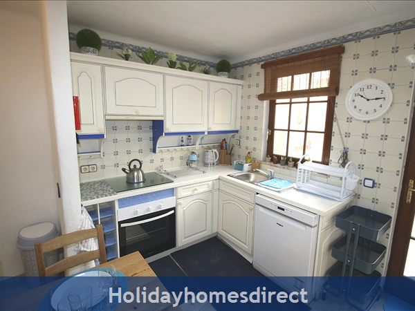 Casinha Town House. Within The Old Town Walls Of Lagos But Only 5 Mins From The Beach !: Image 7