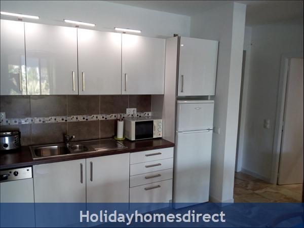 3 Bed Luxury Apartment 50 Metres From Vilamoura Marina: Image 8