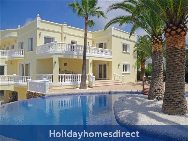 Holiday House Palacio la Paz