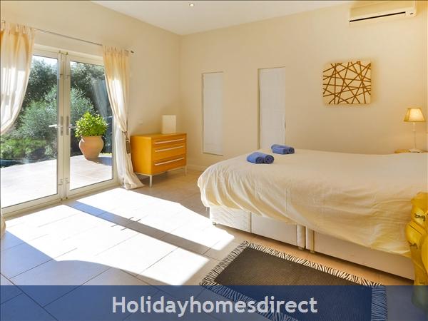 Holiday House Las Jacarandas: Image 11