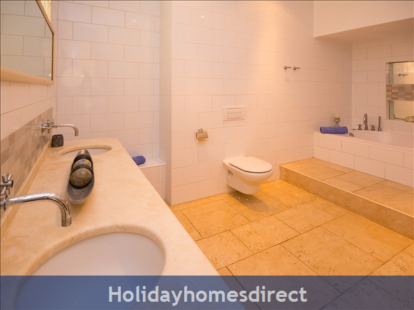 Holiday House Las Jacarandas: Image 10