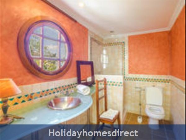 Holiday House Oasis Muntaner: Image 9
