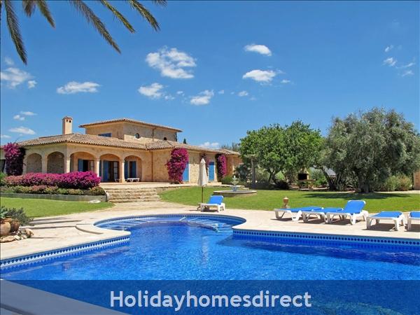 Holiday House Anna